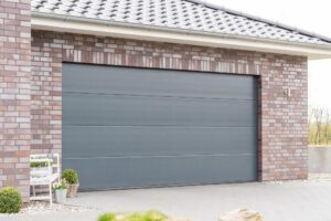 duża brama do garażu